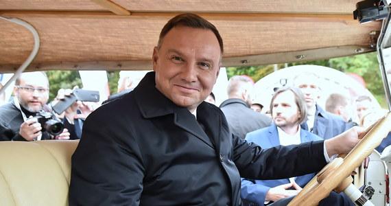 """W nagraniu udostępnionym przez portal Onet.pl, w którym wypowiada się premier Mateusz Morawiecki, nie widzę żadnych treści antypaństwowych - powiedział prezydent Andrzej Duda. """"Panie premierze, proszę się nie przejmować i robić swoje"""" - dodał."""
