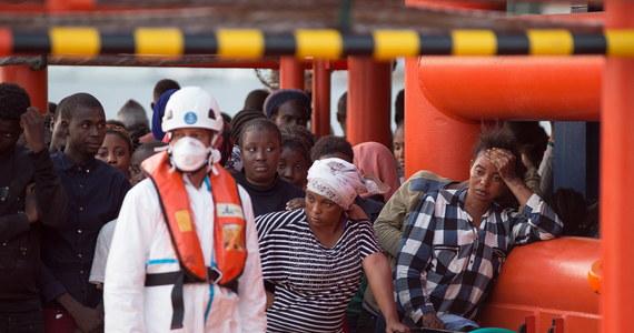 1720 migrantów utonęło w tym roku w Morzu Śródziemnym - podał w środę Urząd Wysokiego Komisarza ONZ ds. Uchodźców. Dane ogłoszono w przypadającą tego dnia piątą rocznicę katastrofy łodzi u brzegów Lampedusy, w której zginęło 368 osób płynących łodzią do Włoch.