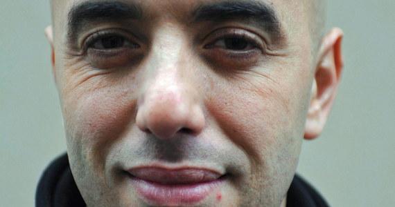 Złapany wczoraj najbardziej poszukiwany francuski gangster ukrywał się przebrany za muzułmankę w nikabie. Redoine Faid kilka miesięcy temu w spektakularny sposób uciekł helikopterem z więzienia.