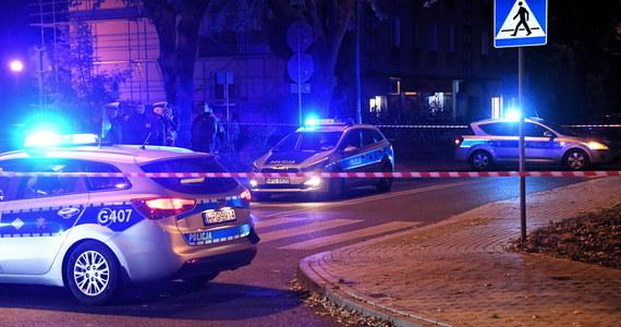 Wypadek z udziałem prezydenckiej kolumny w Oświęcimiu. Podczas czwartkowej wizyty Andrzeja Dudy w mieście, w kolumnę wbiegł mały chłopiec. Dziecko zawieziono do szpitala.