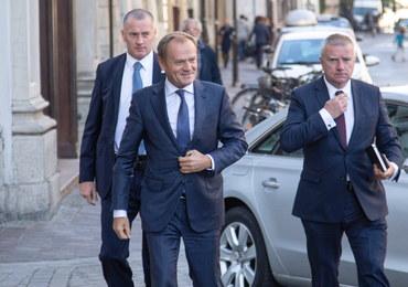 """Tusk: Polska nie musi """"wstawać z kolan"""", bo nigdy na nich nie była"""