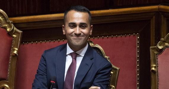 """Włoski wicepremier Luigi Di Maio z Ruchu Pięciu Gwiazd powiedział w Rzymie, że Unia Europejska z obecnymi władzami będzie """"skończona"""" za pół roku. Wyraził opinię, że majowe wybory do Parlamentu Europejskiego przyniosą polityczne """"trzęsienie ziemi""""."""