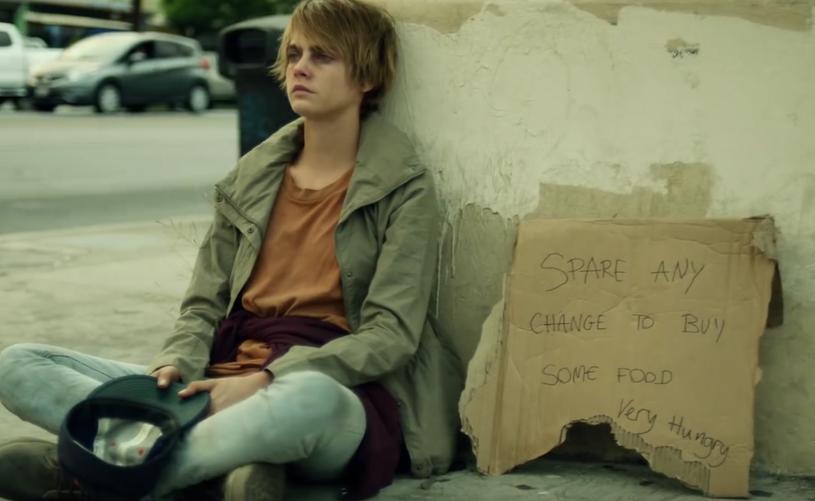 The Spencer Lee Band zaprosili do swojego nowego teledysku Carę Delevingne. Światowej sławy modelka i aktorka wcieliła się w nim w rolę bezdomnej narkomanki.