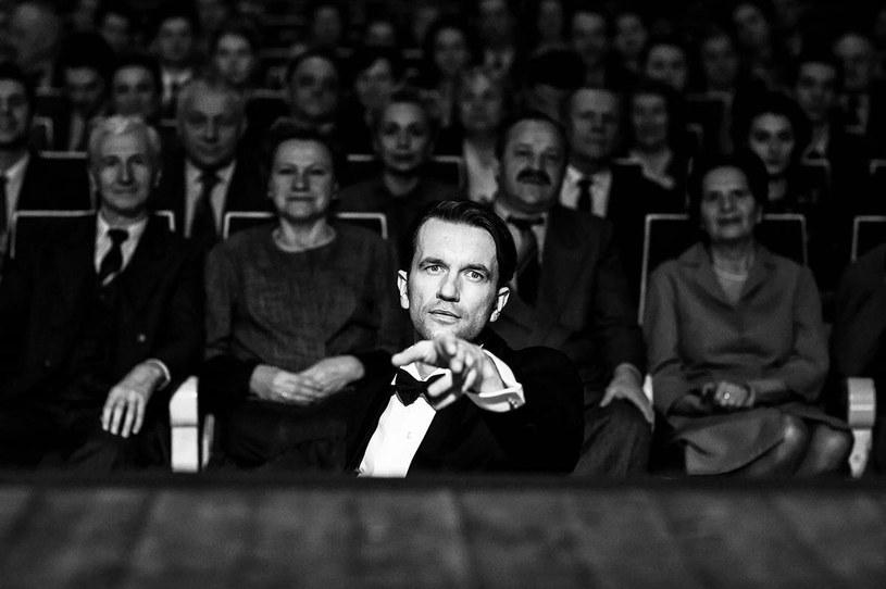 """""""Zimna wojna"""" jest jednym z 87 filmów, które będą w w przyszłym roku walczyć o Oscara w kategorii najlepszy film nieanglojęzyczny. Akademia Sztuki i Wiedzy Filmowej ogłosiła właśnie pełną listę zgłoszonych produkcji. Tym samym nie udało pobić się ustanowionego przed rokiem rekordu - wtedy o Oscara walczyły aż 92 obrazy."""