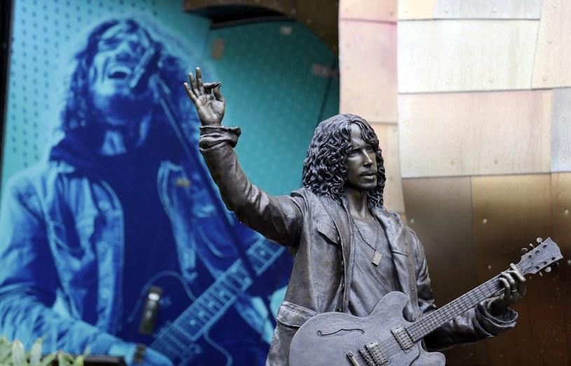 W niedzielę (7 października) w rodzinnym Seattle odsłonięto pomnik zmarłego samobójczą śmiercią w maju 2017 r. Chrisa Cornella, wokalisty znanego z Soundgarden, Audioslave, Temple of the Dog i kariery solowej.