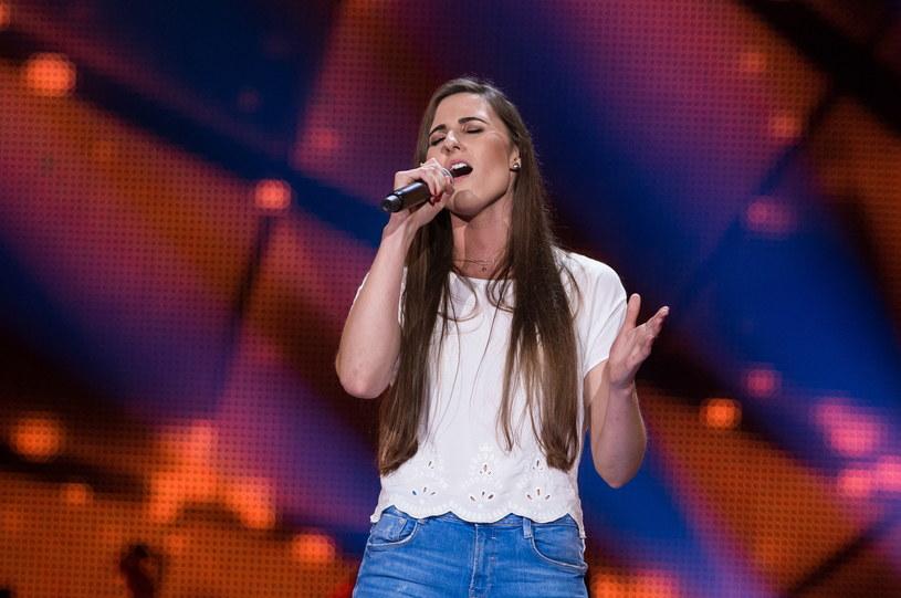 """Izabela Szafrańska oprócz pochwał ze strony trenerów """"The Voice of Poland"""" może też liczyć na wsparcie widzów. Występ uczestniczki zdobył w trzy dni ponad 157 tys. wyświetleń."""