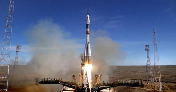 Wstrzymane wszystkie loty i kontrola każdej rakiety Sojuz - to efekty pierwszej od 43 lat rosyjskiej katastrofy kosmicznej. Siergiej Kriwalow z agencji Roskosmos powiedział w piątek, że strona amerykańska nie zamierza rezygnować z usług Rosji w transporcie astronautów na Międzynarodową Stację Kosmiczną (ISS). Wcześniej szefowie Roskosmosu i NASA omówili awarię przy locie statku Sojuz.