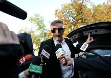 Siedem policyjnych zarzutów dla Roberta N. ps. Frog. Mężczyzna został przesłuchany