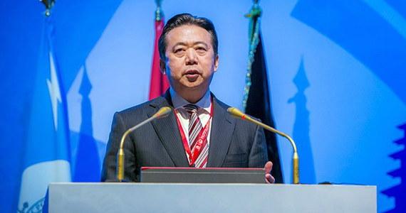 """Dochodzenie przeciwko byłemu szefowi Interpolu Meng Honweiowi znalazło się wśród przykładów na prowadzoną przez chińskie władze walkę z korupcją, wymieniony przez oficjalny dziennik Komunistycznej Partii Chin (KPCh) """"Renmin Ribao""""."""