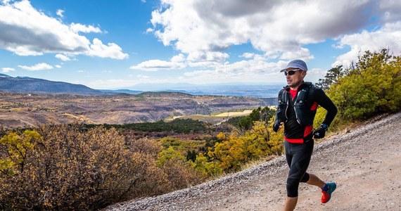Piotr Hercog, zawodnik z Kudowy Zdroju wygrał Moab Endurance Run - górski ultramaraton przez pustynię, skały i kaniony. Długość trasy wynosiła 380 kilometrów. Polak pokonał ją w 60 godzin, 14 minut i 47 sekund.