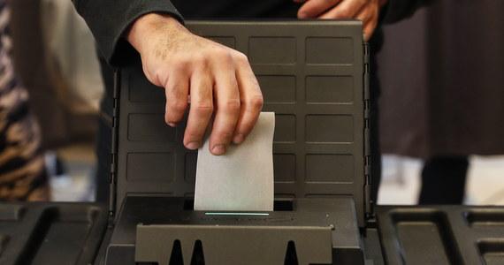 Polki będą rządzić w Brukseli. Dwie rodaczki zostały radnymi w brukselskich gminach. Swój urząd lokalnych ministrów będą sprawować przez najbliższe 6 lat. We wczorajszych wyborach w Belgii do rad gminny po raz pierwszy wystartowało aż 20 kandydatów z Polski.