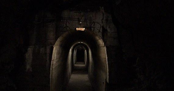 Po raz pierwszy od zakończenia II wojny światowej turyści zobaczą podziemia Zamku Książ w Wałbrzychu. Udostępnione tunele znajdują się 50 metrów pod poziomem zamkowego dziedzińca i liczą 950 metrów. Przeznaczenie tego obiektu do dziś owiane jest tajemnicą.