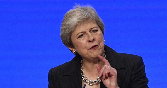 Brytyjska premier Theresa May zaapelowała do unijnych przywódców, by zapewnili, że przeciągające się negocjacje na temat rozwiązania awaryjnego dla Irlandii Północnej nie utrudnią wypracowania dobrego porozumienia w sprawie Brexitu.