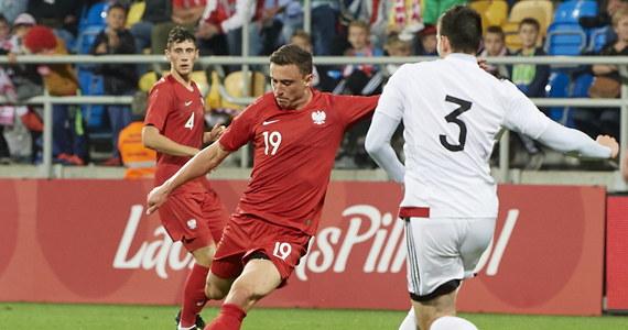 Polska wygrała w Gdyni z Gruzją 3:0 (0:0) w ostatnim meczu eliminacji piłkarskich młodzieżowych (do lat 21) mistrzostw Europy. Dzięki temu zwycięstwu biało-czerwoni zajęli w grupie trzeciej drugą pozycję i zagrają w barażach.