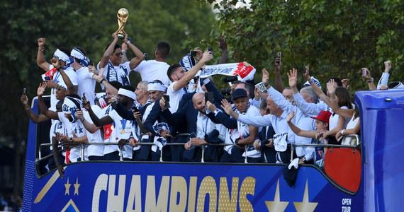 Triumfatorzy tegorocznych mistrzostw świata w Rosji Francuzi utrzymywali się przy piłce mniej niż przez 50 procent czasu gry i przebiegli średnio więcej od tylko czterech innych uczestników mundialu - wynika z raportu Międzynarodowej Federacji Piłki Nożnej (FIFA).