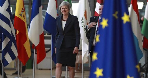 Porozumienie ws. Brexitu jest możliwe, czas, byśmy do niego doprowadzili - oświadczyła  w Brukseli premier Wielkiej Brytanii Theresa May. Z kolei główny unijny negocjator ds. Brexitu Michel Barnier podkreślił, że UE potrzebuje znacznie więcej czasu.