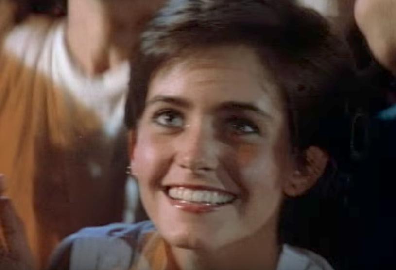 """Courtney Cox była gościem nowojorskiego koncertu Bruce'a Springsteena 18 października. Aktorka znana głównie z roli Moniki w serialu """"Przyjaciele"""", w ten sposób nawiązała do teledysku """"Dancing In The Dark"""", w którym wystąpiła 34 lata temu i który po części otworzył jej drzwi do wielkiej kariery."""