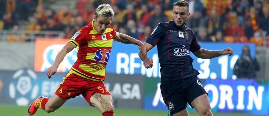 Po przerwie reprezentacyjnej do rozgrywek wróciła polska Ekstraklasa. W pierwszym piątkowym spotkaniu Piast Gliwice zremisował z Lechią Gdańsk 1:1, a Jagiellonia Białystok pokonała Pogoń Szczecin 2:1.