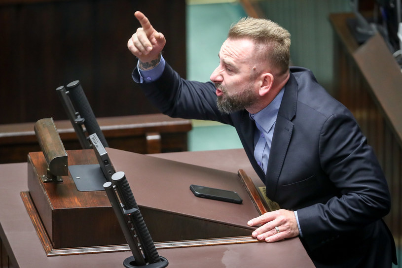 Poseł Piotr Liroy-Marzec w wyborach samorządowych w Kielcach reprezentował Komitet Wyborczy Wyborców Wolność w Samorządzie.