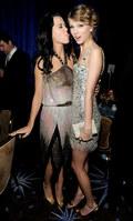 Katy Perry chwali Taylor Swift. Za co?