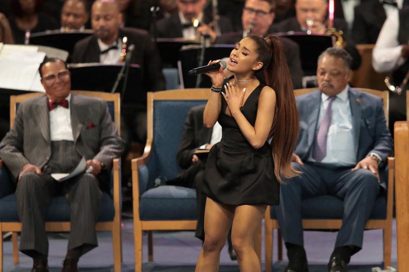 """""""Jestem gotowa"""" - napisała Ariana Grande zapytana o trasę koncertową promującą jej płytę """"Sweetener""""."""