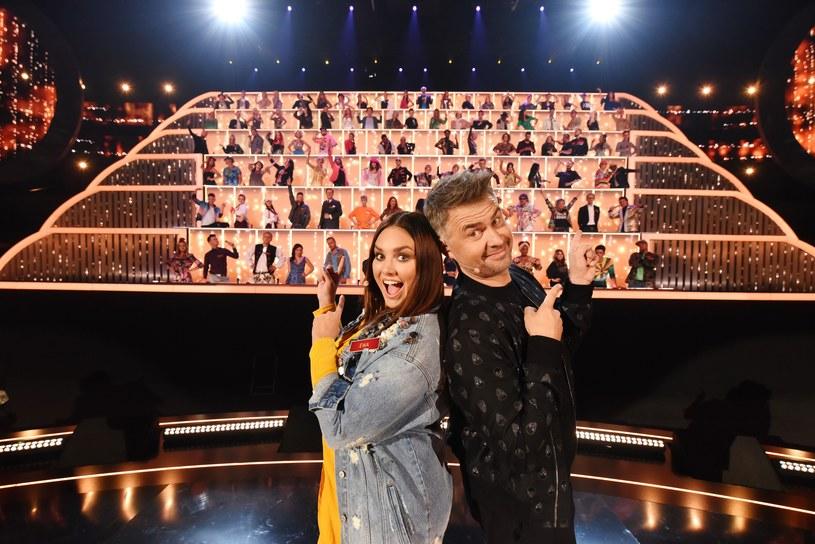 """Przed nami finał programu """"Śpiewajmy razem. All Together Now"""". W finałowym odcinku, który widzowie Polsatu obejrzą w środę, 24 października, wystąpi 14 uczestników, po dwóch zwycięzców z każdego z siedmiu odcinków."""