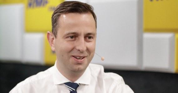 """Kiedy podaje się pan do dymisji? """"Nie zamierzam i nie planuje"""" - odpowiada na pytanie Roberta Mazurka, szef ludowców Władysław Kosiniak-Kamysz, pytany o wynik wyborów samorządowych. """"W demokracji ważne jest kto rządzi i kto jest w opozycji. Można wygrać wybory i rządzić w jednym województwie"""" – podkreśla. """"Obroniliśmy się na wsi i poprawiliśmy wynik w miastach"""" - dodaje gość Porannej rozmowy w RMF FM."""