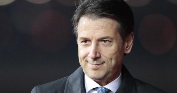 Premier Włoch Giuseppe Conte oświadczył, że nie miałaby sensu korekta przygotowanego przez rząd projektu budżetu. Został on odrzucony przez Komisję Europejską.
