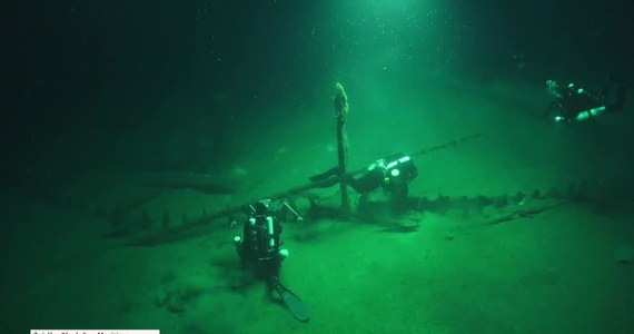 Brytyjscy uczeni odkryli wrak statku sprzed 2400 lat. Grecki okręt handlowej fregaty leży na dnie Morza Czarnego na głębokości ponad 2 kilometrów. Zachował się w idealnym stanie.