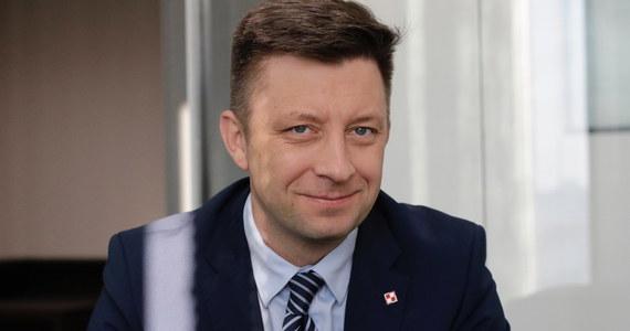 To Michał Dworczyk jest odpowiedzialny w Prawie i Sprawiedliwości za układanie powyborczych koalicji w sejmikach - dowiedział się reporter RMF FM. Szef kancelarii premiera dostał takie zadanie od prezesa PiS Jarosława Kaczyńskiego i komitetu politycznego PiS - po wczorajszej naradzie liderów Zjednoczonej Prawicy na Nowogrodzkiej.