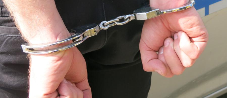 Po ponad roku austriacka policja zatrzymała złodziei, którzy w maju ubiegłego roku okradali sklepy z markową odzieżą w Eisenstadt. To trzech Polaków. Udało się ich namierzyć dzięki współpracy z polskimi kryminalnymi.