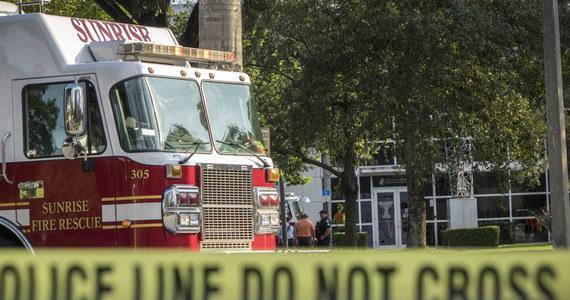 W supermarkecie sieci Kroger w Jeffersontown-Louisville w stanie Kentucky doszło do strzelaniny. Według lokalnej policji zginęły dwie osoby. W tej sprawie zatrzymany został mężczyzna - informuje CNN.