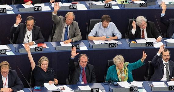 Nawet do 170 tys. euro dostaną brytyjscy deputowani do Parlamentu Europejskiego, gdy zakończą swoją pracę wraz z wyjściem ich kraju z UE. W tym tygodniu służby europarlamentu poinformowały ich o warunkach związanych z zakończeniem pełnienia mandatu.