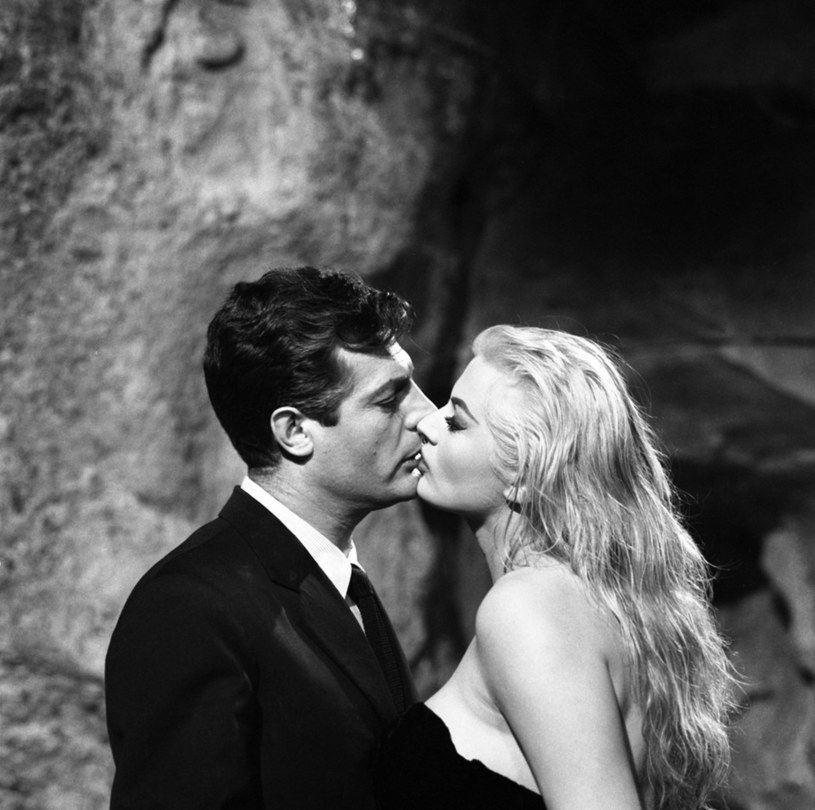 Wystawa, której bohaterem jest najsłynniejszy włoski aktor Marcello Mastroianni otwarta jest od piątku, 26 października, w Rzymie. Do 17 lutego w salach muzeum Ara Pacis nad Tybrem można obejrzeć dziesiątki jego zdjęć, osobistych pamiątek i recenzje filmów, w których zagrał.