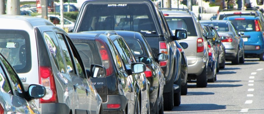 Rząd szykuje rewolucję w nadzorze nad stacjami kontroli pojazdów, a przedsiębiorcy alarmują - to spowoduje gigantyczne koszty i wzrost cen. Ucierpią na tym także kierowcy.