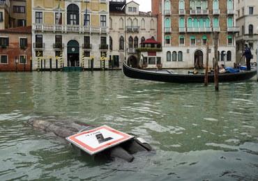 Woda niszczy zabytki Wenecji. Tysiącletnia mozaika zalana