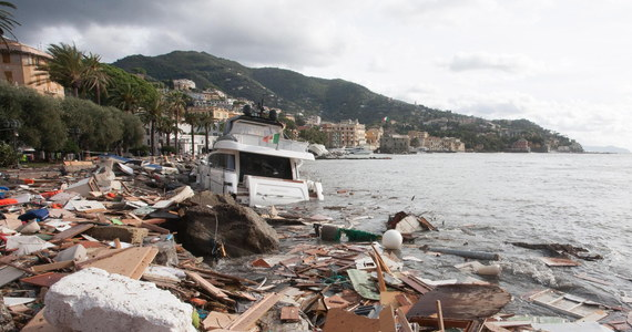 Do 11 wzrosła we Włoszech liczba zanotowanych od poniedziałku śmiertelnych ofiar gwałtownych wiatrów i burz przechodzących nad całym krajem oraz powodzi. We wtorek koło Belluno na północy kraju znaleziono w strumieniu ciało zaginionego mężczyzny.