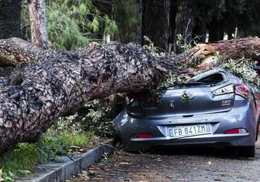 Wichury i powodzie we Włoszech. Nie żyje co najmniej 12 osób