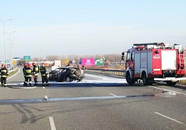 Ślaskie: Pożar samochodu na autostradzie A1 koło Gliwic