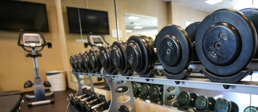 Mandy Blank, jedna z najsłynniejszych gwiazd fitnessu, zmarła w wieku 42 lat w Los Angeles. Ciało trenerki w wannie w domu w Los Angeles znalazła jej gosposia.