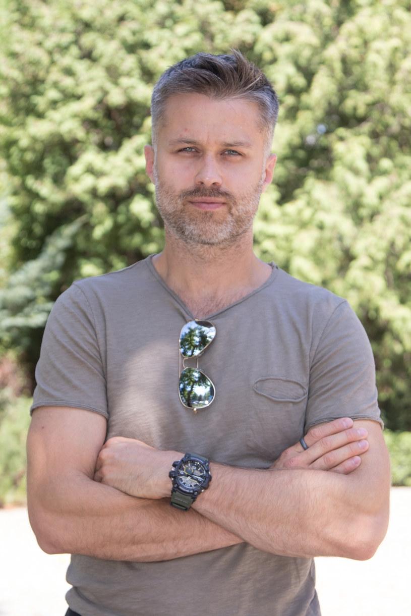 Maciej Zakościelny zwykle gra pozytywne postaci i święcie wierzy, że właśnie tacy ludzie mogą zmienić świat na lepsze