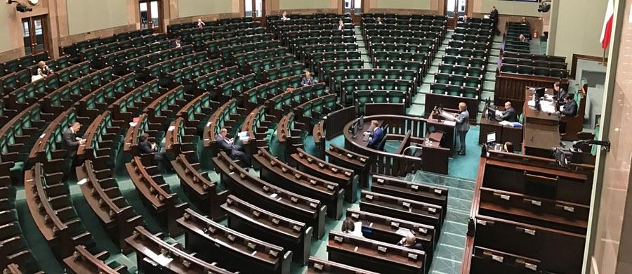 7 listopada, na najbliższym posiedzeniu, Sejm zajmie się poprawkami Senatu do ustawy o ustanowieniu Święta Narodowego z okazji Setnej Rocznicy Odzyskania Niepodległości Rzeczypospolitej Polskiej. Zgodnie z nią 12 listopada 2018 r. ma być dniem wolnym od pracy.