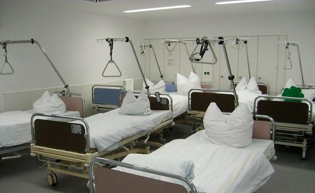 2295 zachorowań na odrę zanotowano we Włoszech od początku tego roku - to najnowsze dane krajowego Instytutu Zdrowia w Rzymie. Począwszy od 2017 roku z powodu powikłań zmarło 12 osób. Ostatnie lata przyniosły znaczny wzrost przypadków tej choroby.