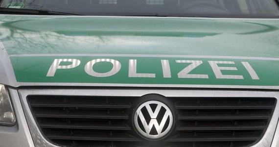 Ponad 20 kilometrów przejechał pod prąd na autostradzie w Hesji w środkowych Niemczech pijany polski kierowca ciężarówki - poinformowała miejscowa policja. Decyzją sądu 47-letni Polak trafił do aresztu.