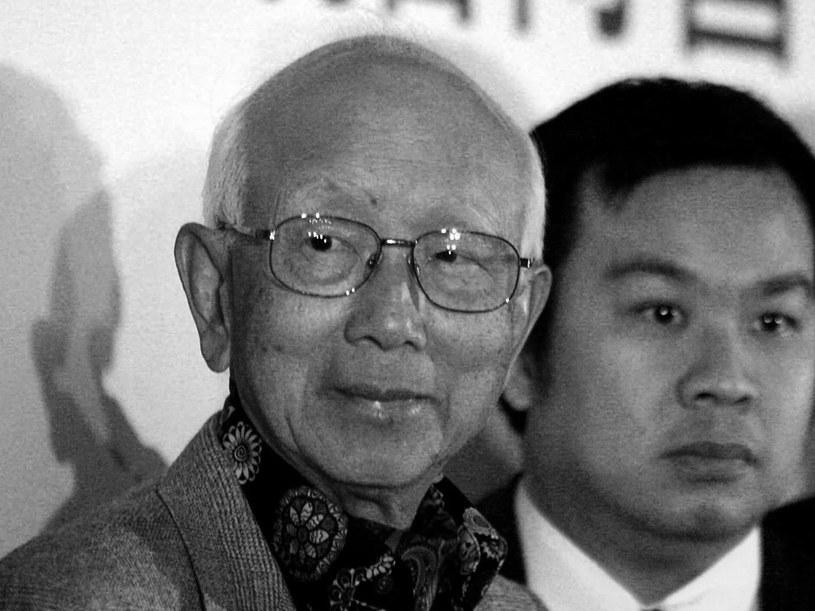 W wieku 91 lat zmarł w sobotę, 3 listopada, w Hongkongu Raymond Chow, słynny producent filmowy, który pomógł Bruce'owi Lee i Jackiemu Chan rozwinąć międzynarodową karierę - poinformowały tamtejsze media.
