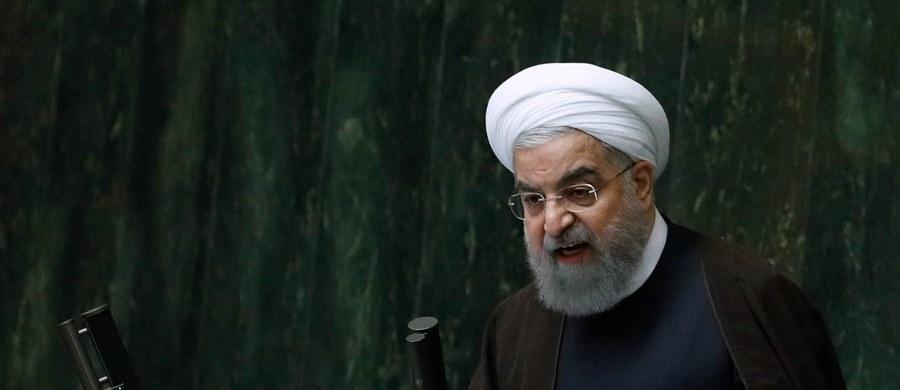 Iran będzie sprzedawał swoją ropę naftową i złamie amerykańskie sankcje. Zapowiedział to prezydent Iranu Hasan Rowhani.