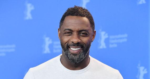 """Idris Elba wybrany najseksowniejszym mężczyzną na świecie 2018 według magazynu """"People"""". Przymierzany do roli Jamesa Bonda Elba, znalazł się wśród takich aktorów jak Brad Pitt, George Clooney czy Chris Hemsworth."""