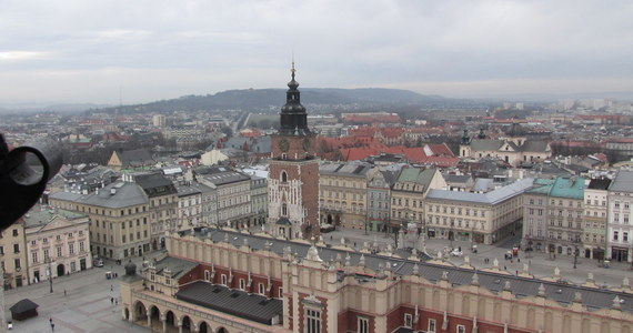 W najbliższy weekend krakowian czeka wiele atrakcji związanych z obchodami setnej rocznicy odzyskania przez Polskę niepodległości. Główne uroczystości zaczną się w niedzielę już po godz. 9 na krakowskim Powiślu przy pomniku Żołnierzy Polski Walczącej. Świętować będzie jednak można już od soboty.