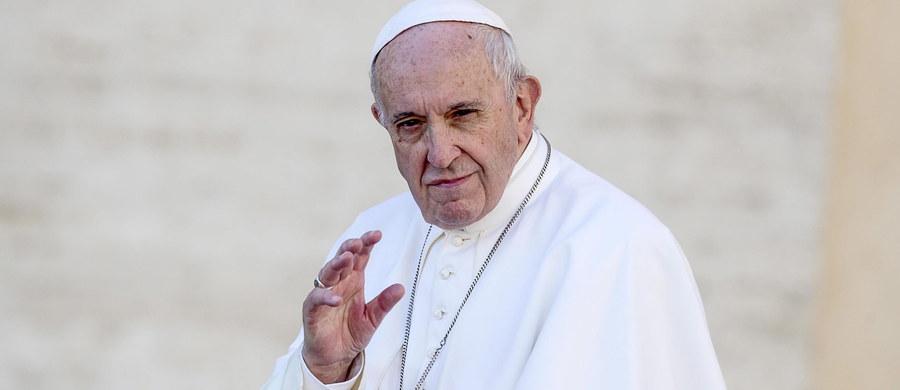 Papież Franciszek w związku ze zbliżającą się setną rocznicą odzyskania niepodległości przez Polskę życzył narodowi polskiemu, by mógł żyć darem wolności w pokoju i budował przyszłość kraju w jedności. Życzenia złożył w czasie audiencji generalnej w Watykanie.
