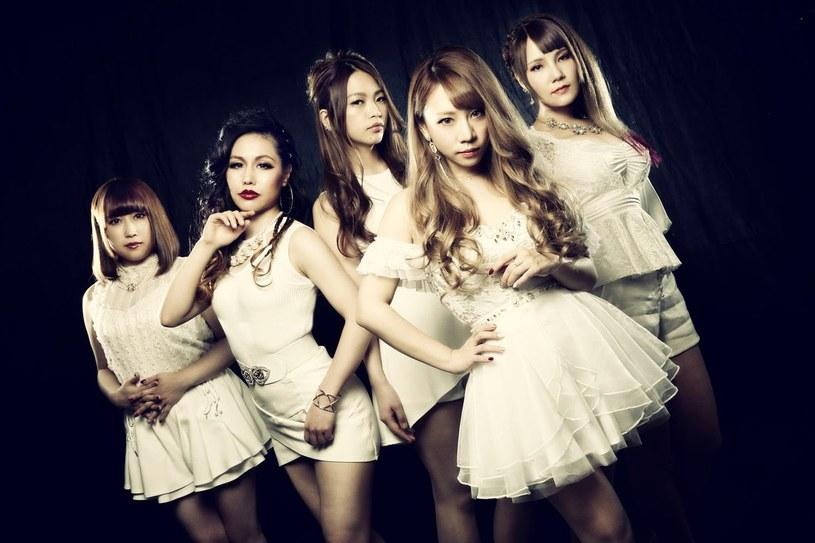 Heavy / powermetalowa grupa Lovebites z Japonii podpisała kontrakt z wytwórnią Arising Empire.